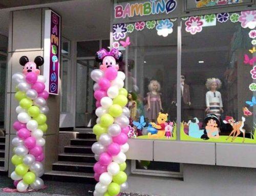 Coloane de baloane și baloane cu folie, inaugurare magazin pentru copii