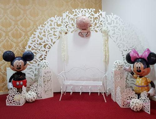 Photo corner pentru botez cu boloane de folie Mickey și Minnie Mouse